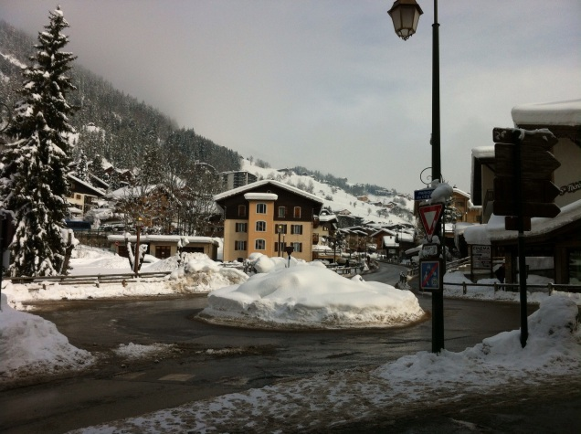 Another roundabout, La Clusaz. [Photo by me, 2015.]