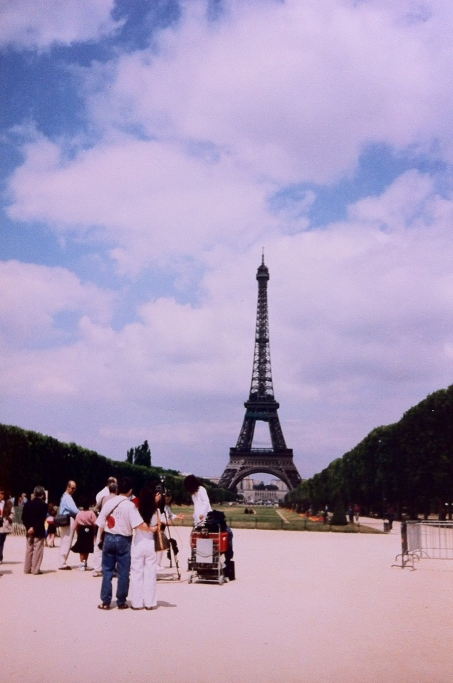 A famous landmark. In the foreground, a singer of some unidentified nationality was shooting a music video. [Photo by me, 1996.]