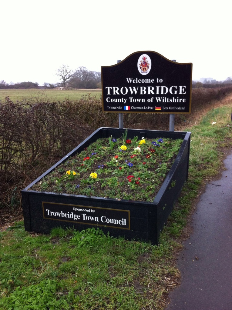 Outside Trowbridge, Wiltshire, welcoming drivers and walkers. [Photo by me, 2015.]