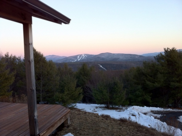 Windham Mountain in the distance. [Photo by my, 2015.]