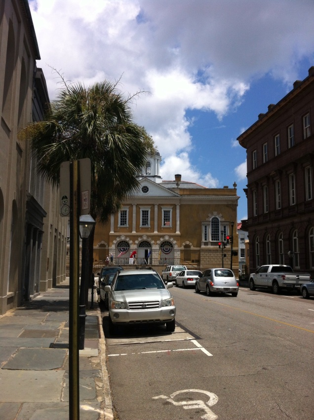 Looking toward Charleston, South Carolina city hall. [Photo by me, July 2014.]