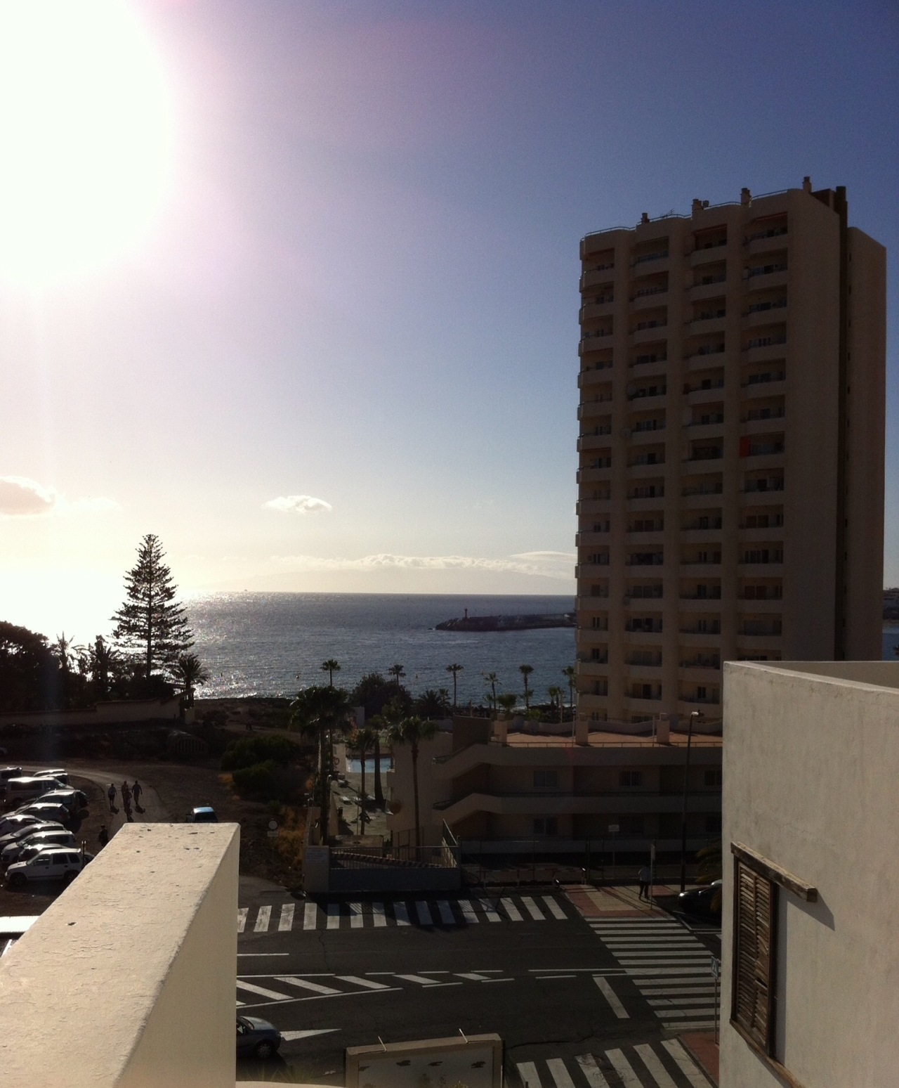 Late afternoon view from near our friends' holiday apartment, Tenerife, Canary Islands, Spain. [Photo by me, 2016.]