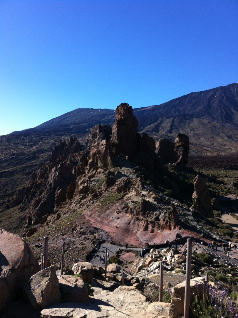 Rock formation, below Teide, just to the right. [Photo by me, 2016.]