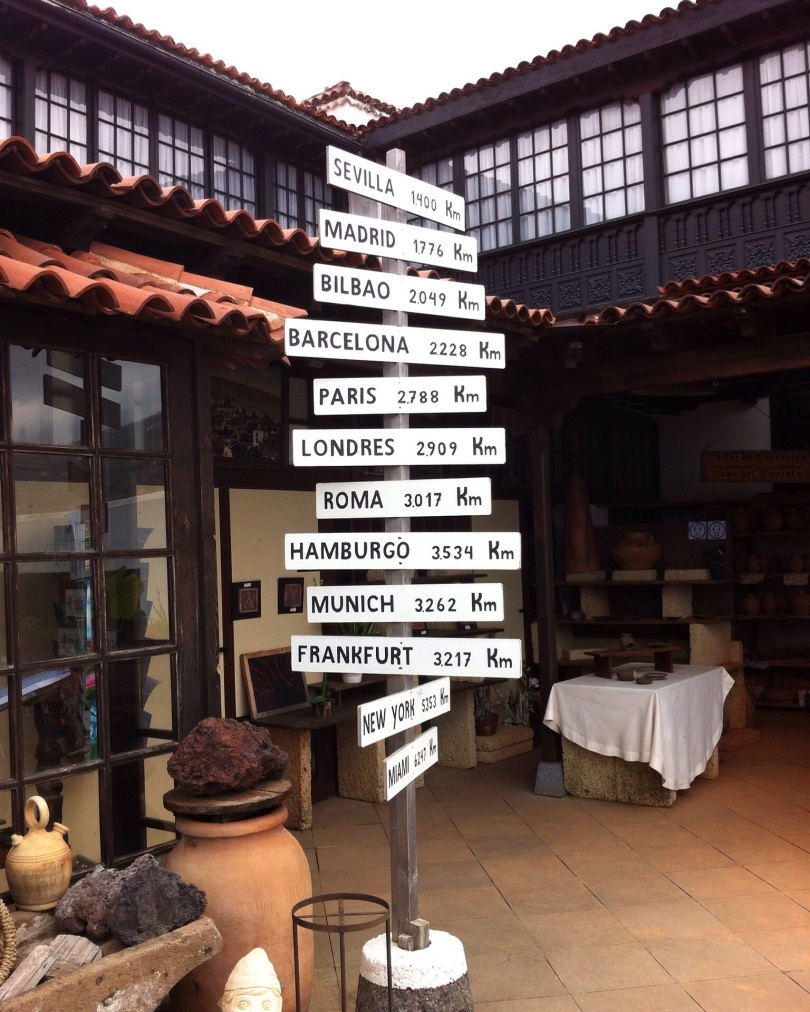 Direction signs. Shop in La Orotava. Tenerife, Canary Islands, Spain. [Photo by me, 2016.]