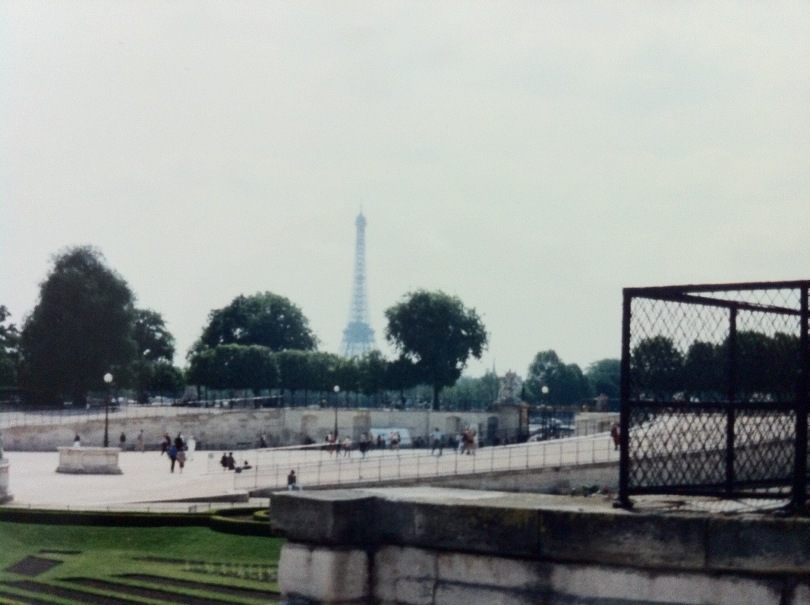 A reasonably well-known view. Paris, France. [Photo by me, 1994.]
