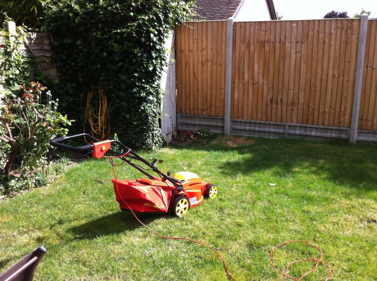 The British lawnmower. [Photo by me, 2016.]