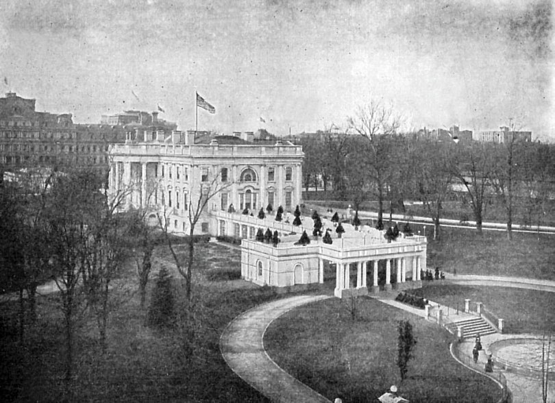 Free Stock Photo: A vintage photo of the White House, taken about 1911. [Public Domain.]