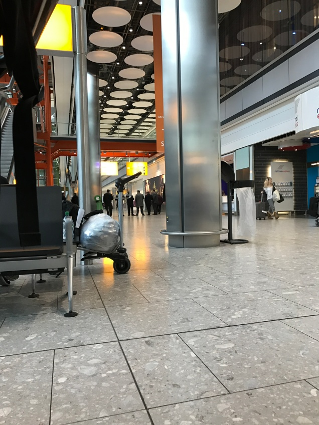 Heathrow Airport, Terminal 5, arrivals concourse yesterday morning. [Photo by me, 2017.]